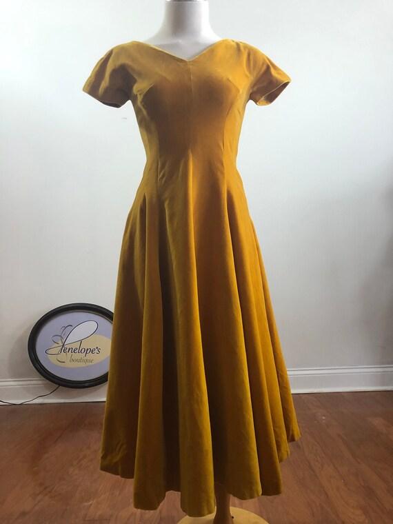 Velvet Vintage Gold, 1950's