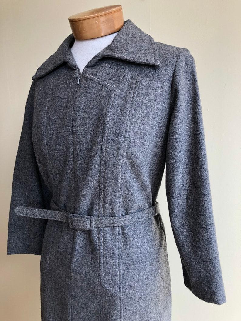 size medium zipper front 1970s grey Rodney wool dress long sleeve belted dress