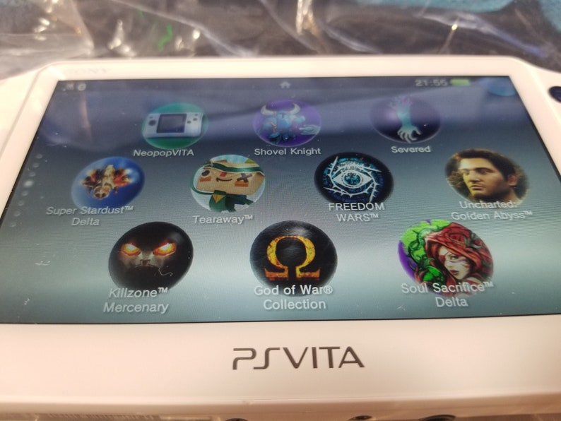 PS Vita 2000 Slim Great Condition Henkaku Enso Modded Retro Game Console  with 128GB 200GB or 256GB or 400GB Memory PSP PS1 SD2Vita