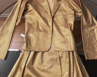 d5fd1d425 Beatiful gucci style gold striped suit. Metallic and gorgeous
