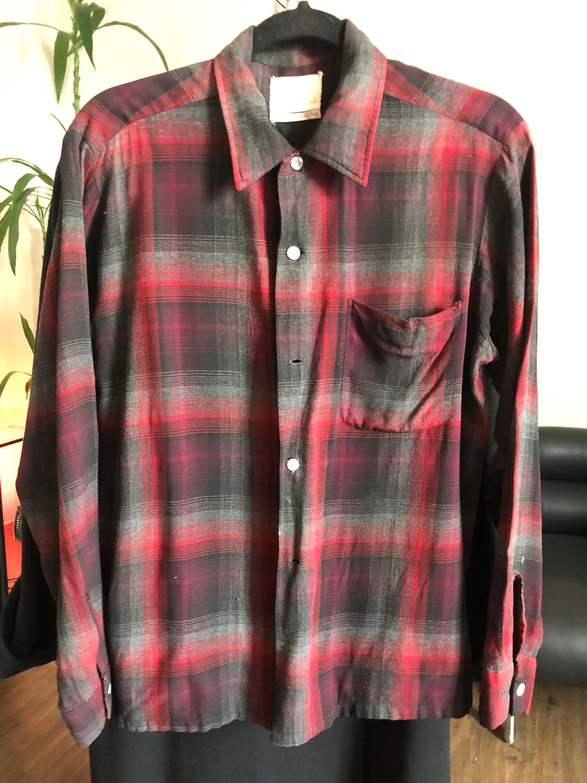 1940s Men's Shirts, Sweaters, Vests Vintage 1940s Ferranti California Button Up Rayon Shirt $0.00 AT vintagedancer.com