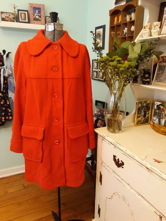 RED Vintage 1970s desinged by GAE Great Six Minnea