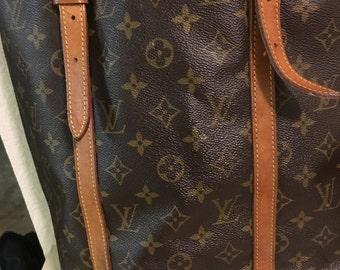 1bd8d15e2 Authentic Louis Vuitton Bucket Bag GM