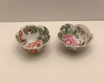 Vintage Hand-Painted Chinese Porcelain Bowl Made In Macau-Lotus Shape Decorative Only 2.5 x 4.5