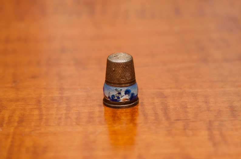 Sterling and Enamel no 6 German Thimble