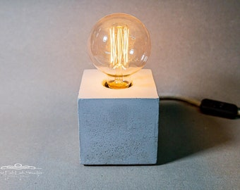 Edison concrete lamp solid | Table lamp | Retro Lamp | Steampunk | Cube | Concrete | Bedside lamp | Desk lamp | Industrial