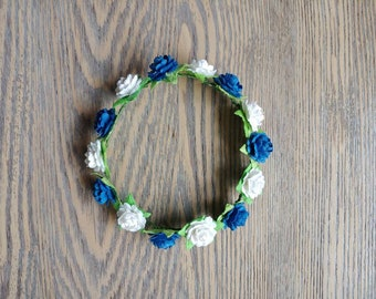 May Crowing Mary Wreath Blue