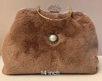 8fcab4493eb7 Vintage clutch Soft Fur Handbag