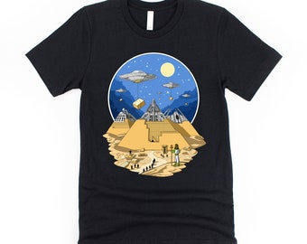 Alien Egyptian Pyramids T-Shirt -  Space Aliens Shirt - UFO Conspiracy Theory Tee - Ancient Egyptian Clothing - Science Fiction Cosmic Gift