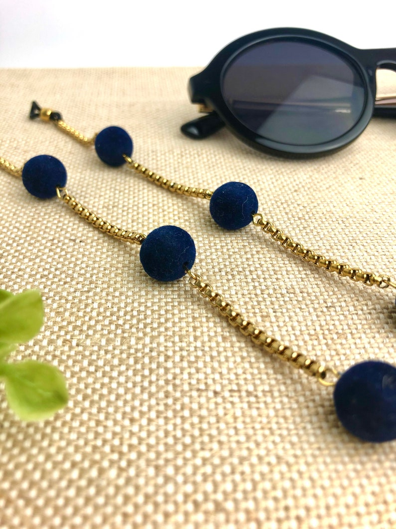Delicate chain of glasses with balls, Glasses chain with navy blue details, Elegant glasses necklace, Tirolinas