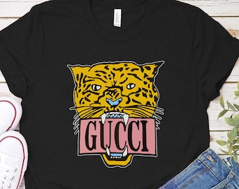 eca492cdb Gucci Aesthetic Tee Womens Gift Shirt Sport Outfit Gucci Brand Unisex  Clothes Gift For Him Gucci Clothing Women Shirts Fashion Gucci RE0025
