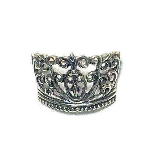 Olga Crown Pin