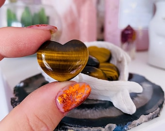 Tigers Eye Crystal Love Hearts / Grounding, Protective / Alleviates Fear & Anxiety / Focuses The Mind / Helps Decision Making