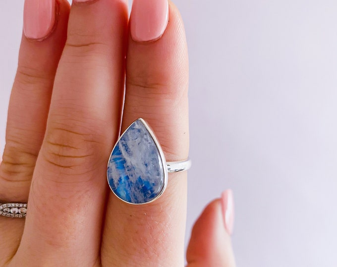 Sterling Silver Rainbow Moonstone Crystal Ring Size P 1/2 / Improve Inner Confidence / Allows Clear Vision / Life Changing Inspiration
