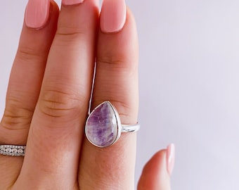 Sterling Silver Pink Moonstone Crystal Ring Size R / Improves Inner Confidence / Allows Us To See More Clearly / Life Changing Inspiration
