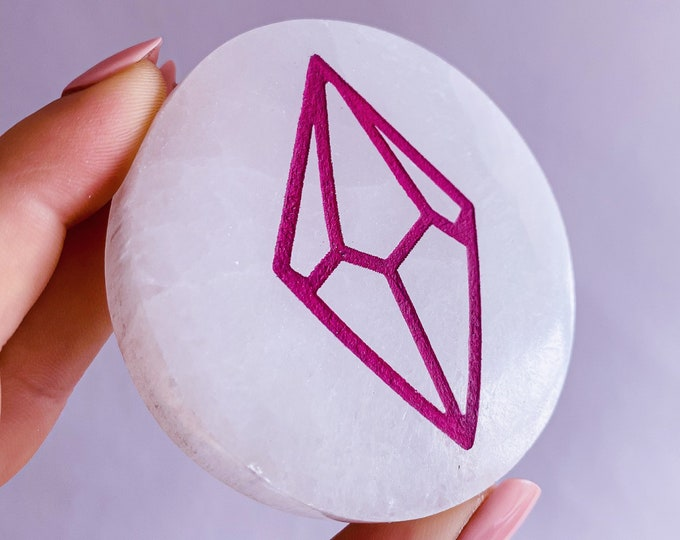 Lumi Gemstones Selenite Cleansing & Charging Crystal Plate / Helps You To Deal With Abuse / Good For Sex Drive / Good For Acne, Psoriasis