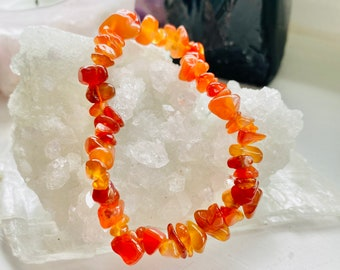 Carnelian Crystal Chip Bracelet / Helps With Any Type Of Abuse / Very Stabilising / Eases Worries & Anxiety / Works With Heart Chakra