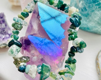 Green Moss Agate Crystal Chip Bracelet / For New Beginnings / Refreshes The Soul / Improves Self Esteem / Reduces Depression