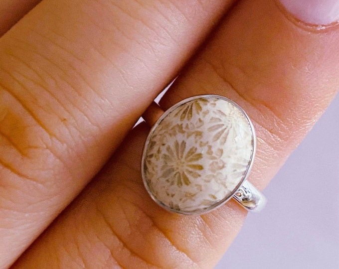 Sterling Silver Coral Crystal Ring Size K 1/2 / Brings Happiness, Modesty, Wisdom / Relieves Stress & Fears / Helps Depression + Panic