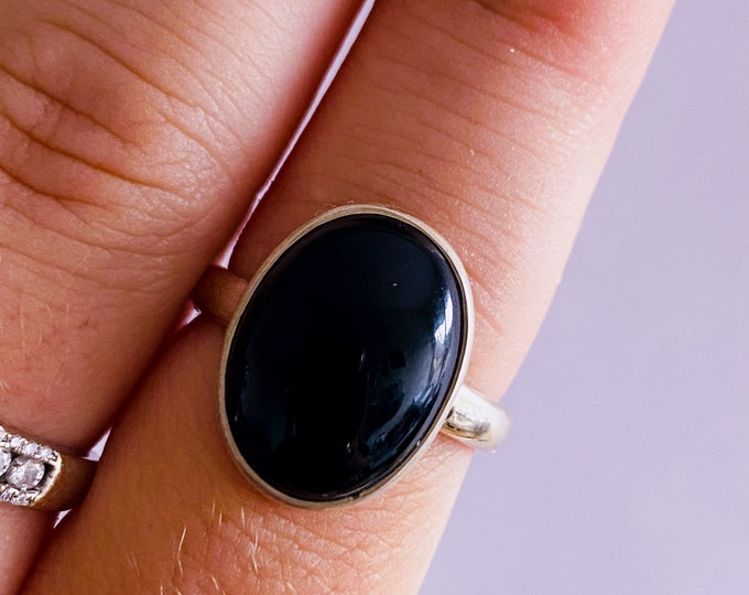 Sterling Silver Black Onyx Crystal Ring Size M 1/2 / Grounding, Protective, Uplifting, Tranforms Negative Energy / Heals Old Wounds