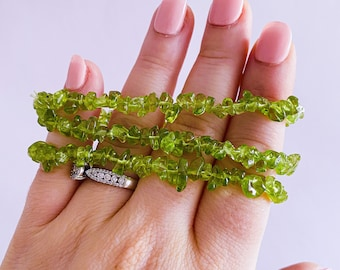 Peridot Crystal Chip Bracelet / Reduces Jealousy, Stress, Irritation, Anger, Resentment & Spite / Encourages Positivity And Accepting Change