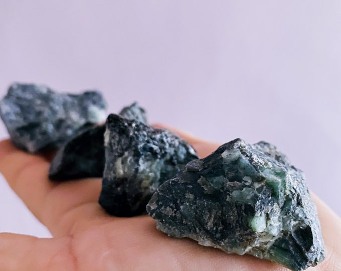 Emerald Rough Crystal Specimens / 'Successful Love' Crystal / Loyalty, Unity, Unconditional Love / Brings Harmony / Removes Negativity