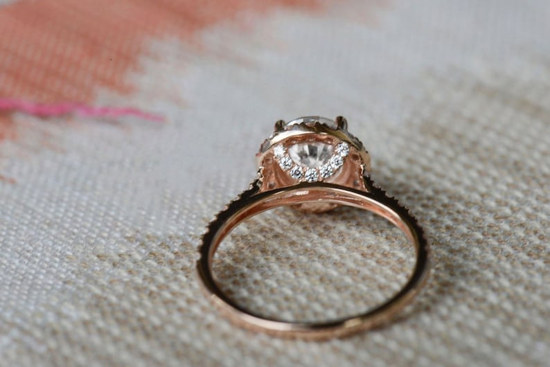 Anniversary Ring And Women Wedding Ring 1.80 Ct White Round Moissanite Halo Wedding Ring Engagement Ring in 10KT Rose Gold