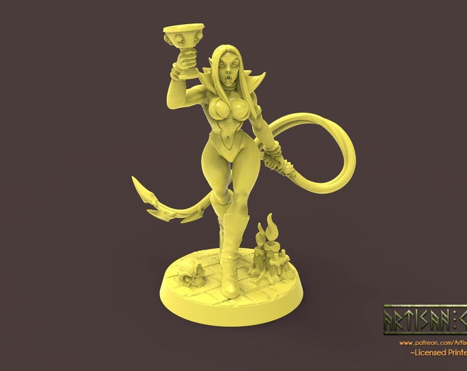 Maligna - Vampire Beauty - 3D Printed Resin Miniature for Dungeons and Dragons, Pathfinder, Starfinder and other Tabletop RPGs