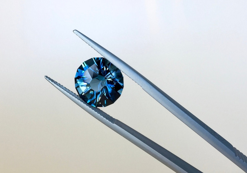Ring with Topaz 6.67 Cts Sparkling  London Blue Topaz Round Brilliant Lapidary Precision Cut Colored Stone Topaz Jewelry