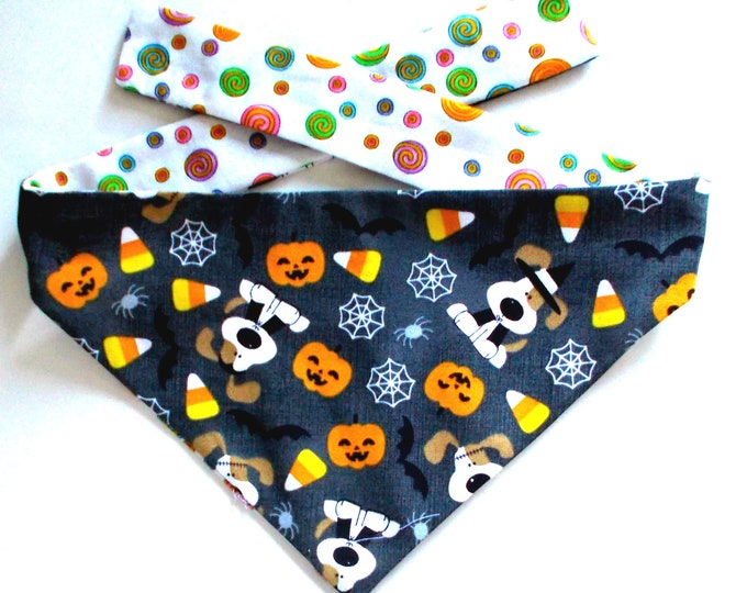 Dog Bandana, Halloween Dog Bandana, Trick or Treat Beagle, Reversible, Tie On