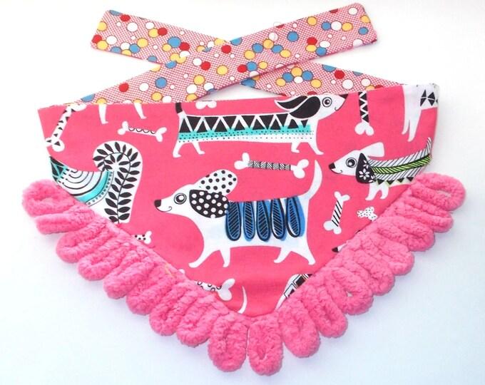Dog Bandanas, Tie On, Reversible, Pink Dogs Strutting Print
