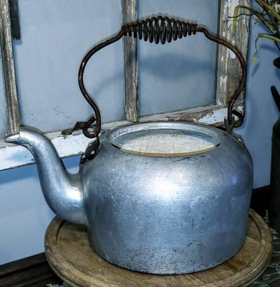 Primitive Vintage Metal Kettle, Vintage Metal Pot,