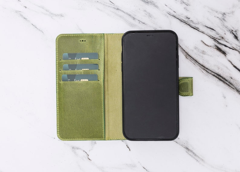 iPhone XR Green Leather Magnetic ClosureDetachable Wallet Phone Case by Oblac 6.1