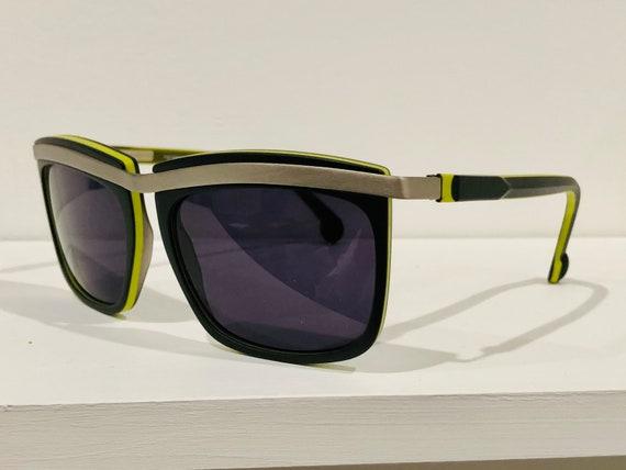 Oliver Claire Goldsmith Sunglasses - image 3