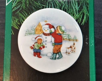 Hallmark Keepsake Ornament 1988 Waiting For Santa Collectors Plate 2nd in series