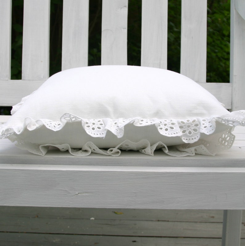 Shabby Chic White Lace Decorative Pillow Sofa Cushion with Cotton Lace. Luxury Pillow in Boho style