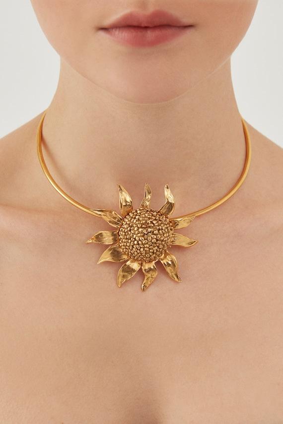 YVES SAINT LAURENT Vintage Sunflower Necklace
