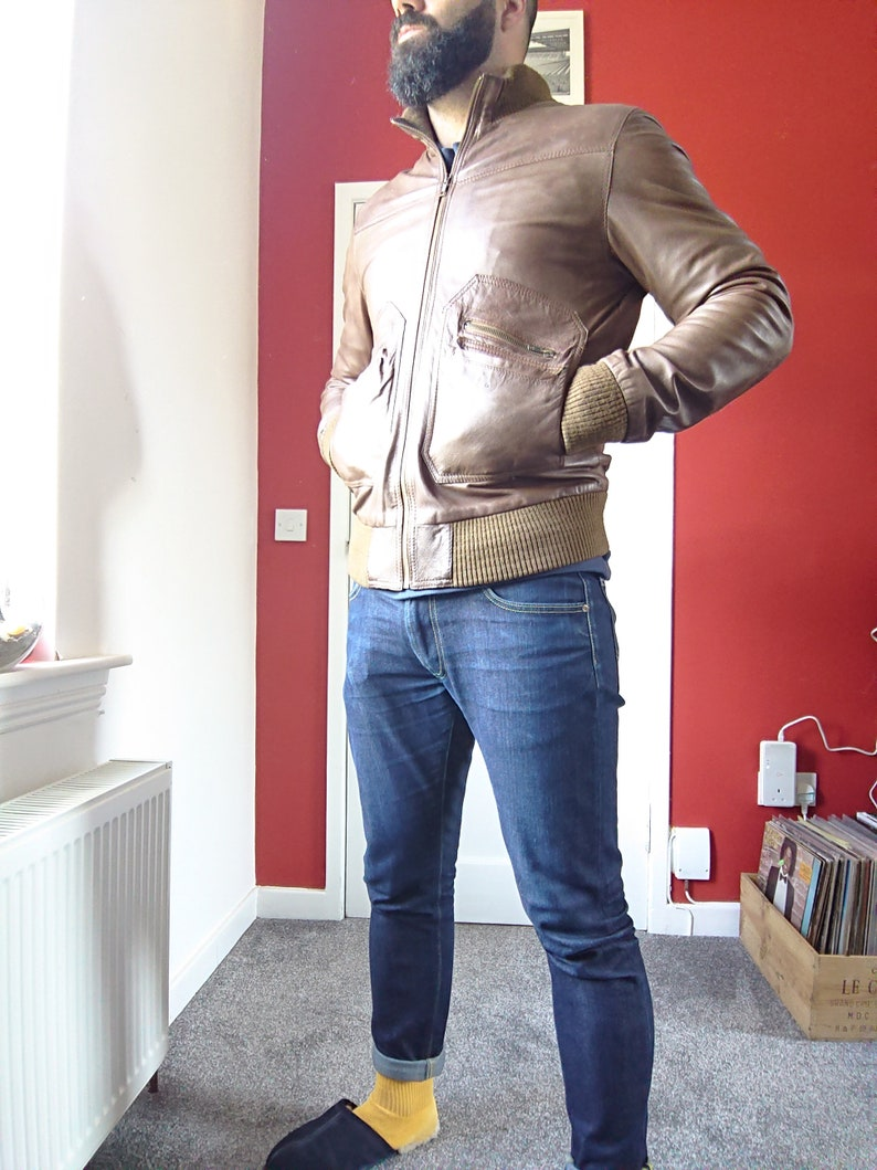 7a21a1268 Vintage Men's Leather Bomber Style jacket Roger David size MEDIUM