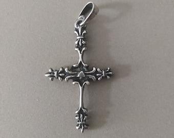 Vintage Sterling Silver Fleur-De-Lis Cross Pendant