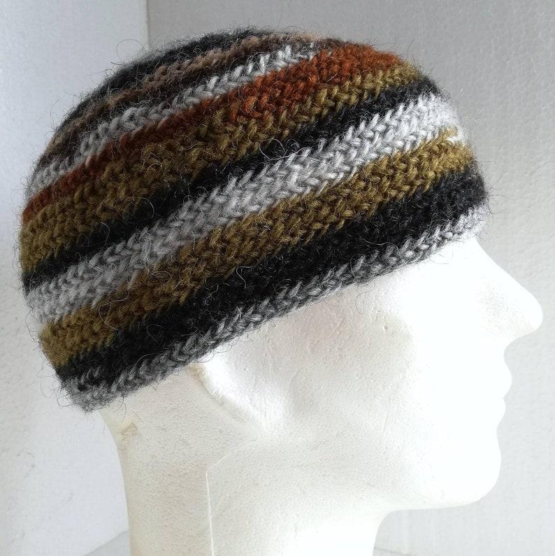 Needle-bound cap multi-coloured 100/% virgin wool