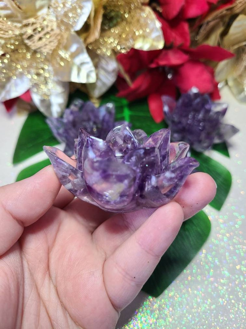 Amethyst Chip Lotus Resin CarvingSphere Stand