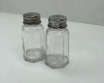 Vintage Gemco Mid-Century Clear Salt /& Pepper Shakers Table Accents Clear Glass Salt and Pepper Shakers