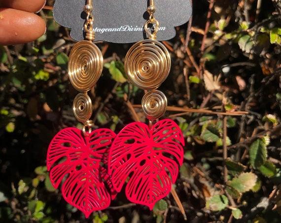 Hot Pink Swirl Two Tier Gold Wire Wrapped Dangle Drop Monstera Earrings