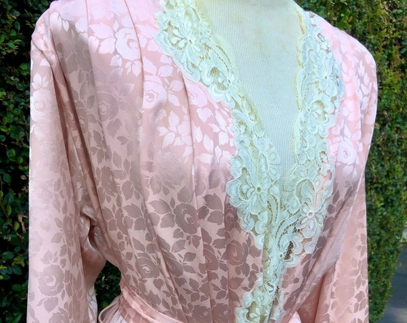 Pastel Soft Baby Pink Eve Stillman Couture Silk Full Length Long Vintage Dressing Robe / Nightgown