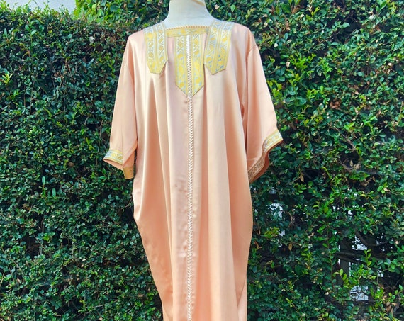 Vintage 1970s  Salmon Full Length House Dress / Coverall -Size medium / large