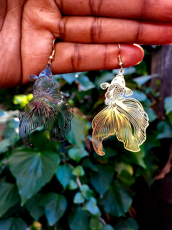 Koy and Koi ~ Black and Gold Mismatched Fish Earrings  Earrings