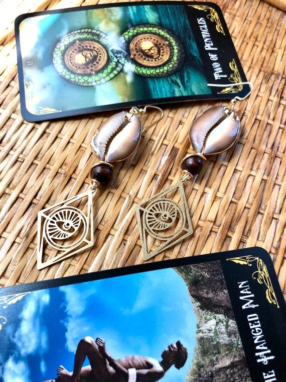 Eye of Divine Providence Earrings / snakehead brown cowrie shell