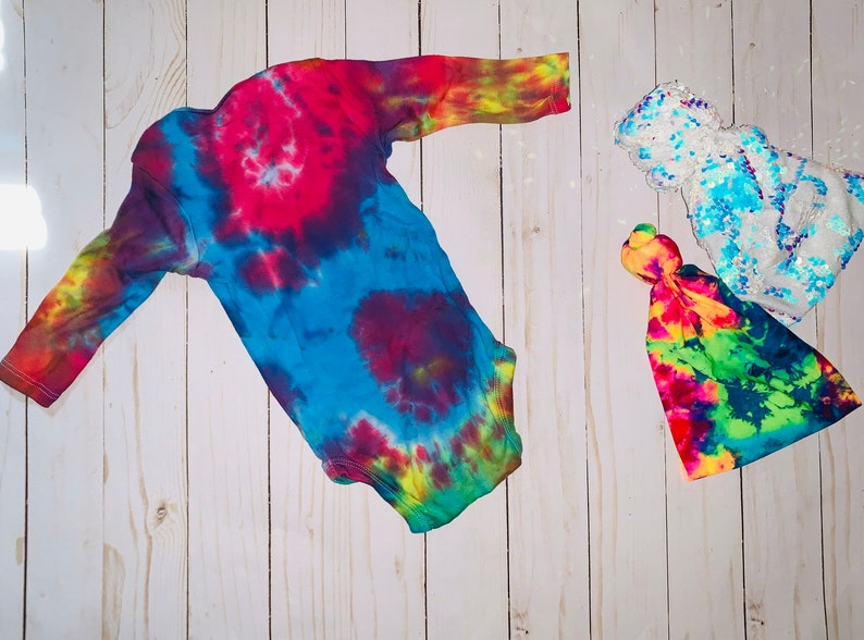 Tie dye long sleeve onepiece custom can be any color tie dye cute baby infant bodysuit