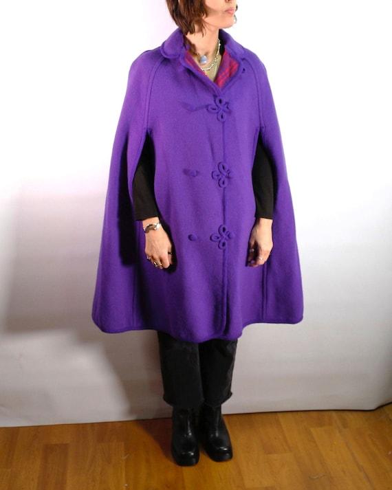Vintage  1960's reversible purple cape