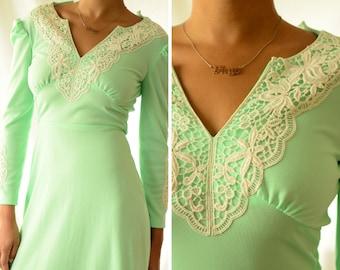 Mint green prairie style seventies dress | vintage 1970s edwardian blush green gown, juliet dress, lace, xsmall, xs (2)